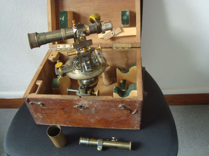 Theodolite/transit instrument, Morin Paris and its wooden case - metal, brass, and wooden case - France - late 19th century