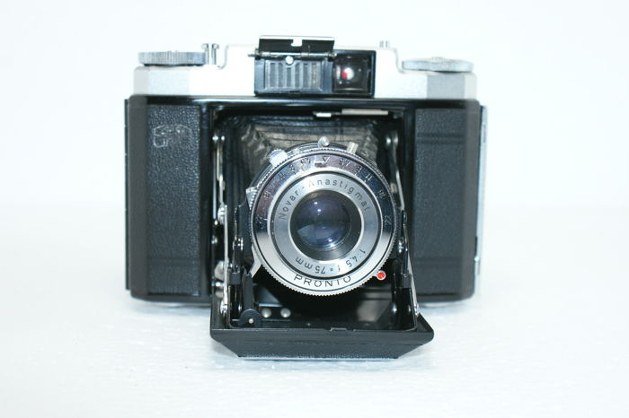 A Zeiss Ikon Zeiss Ikon Nettax 513/16 with lens Novar-Anastigmat 1:4.5 F=75 MM made in the mid-1950s