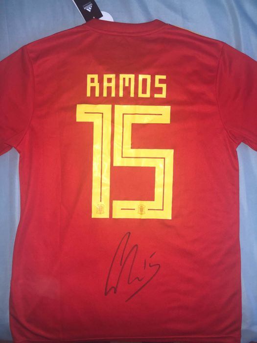 reputable site 30393 f3adb Sergio Ramos Hand Signed Spain World Cup 2018 Shirt Exact Proof Shown -  Catawiki