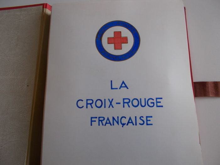 France 1952/1973 - Collection of Red Cross notebooks and stamps