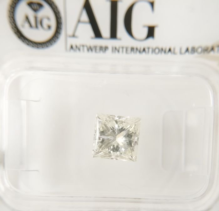 1.15 ct Princess cut diamond H SI2 *** No Reserve ***