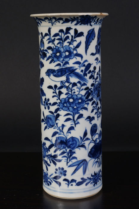 Porcelain, blue and white beaker vase - China - 19th century.