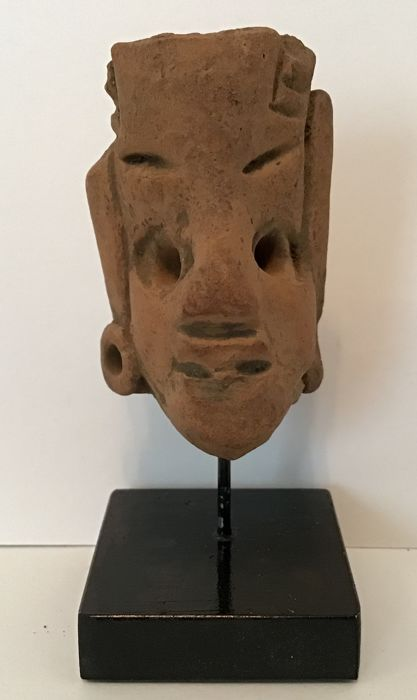 Pre-Columbian Pottery  Head on custom stand - 5,5 cm
