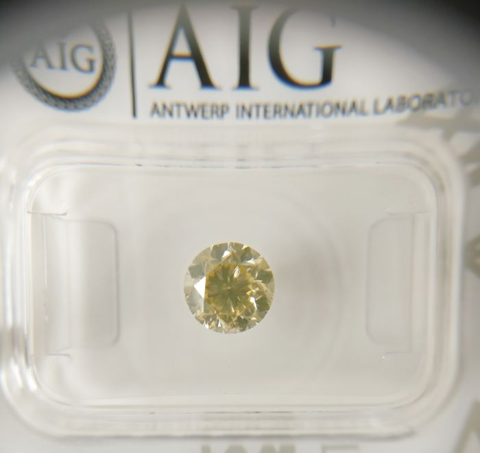 1.02 ct Round cut diamond Fancy Brownish Yellow SI2 *** No Reserve ***