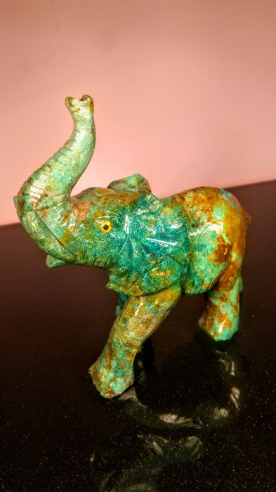 Beautiful hand carved natural Chrysocolla mineral Elephant - 13 cm - 307 g