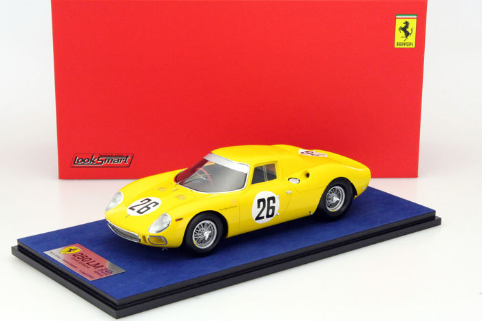 Look Smart - 1:18 - Ferrari 250 LM #26 2nd Place 24h Le Mans 1965 - With Showcase