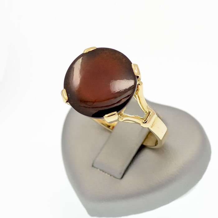 14k/585 yellow gold ring with a cabochon cut hessonite – Hessonite weight 13.5 ct. - No reserve price