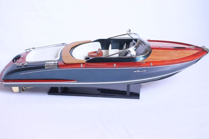 Model ship entirely made of wood Riva Aquariva - 67 cm
