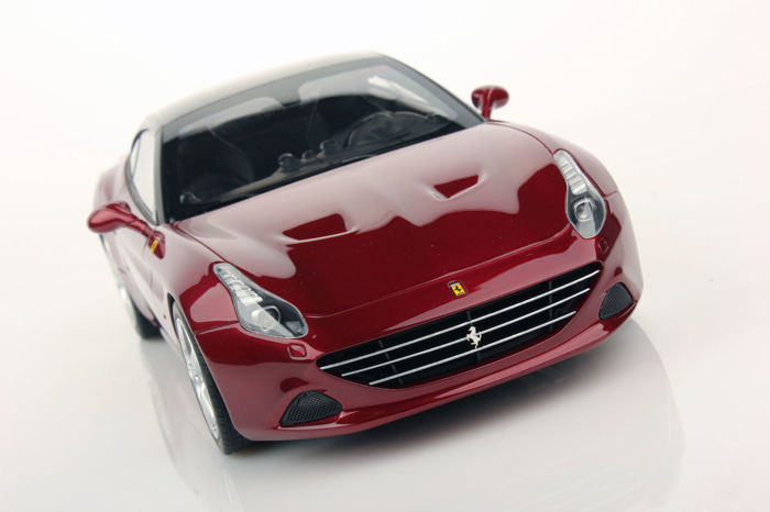 MR Collection Models - 1:18 - Ferrari California T - Limited Edition of 199 pcs.