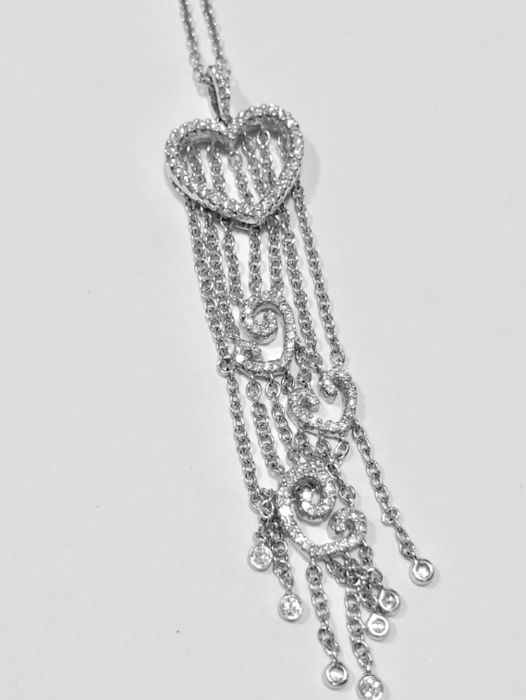 Necklace with pendant and diamonds of 0.45 ct approx all of them