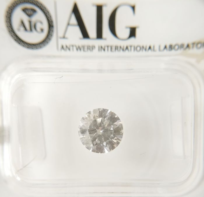 1.10 ct Round cut diamond F IF