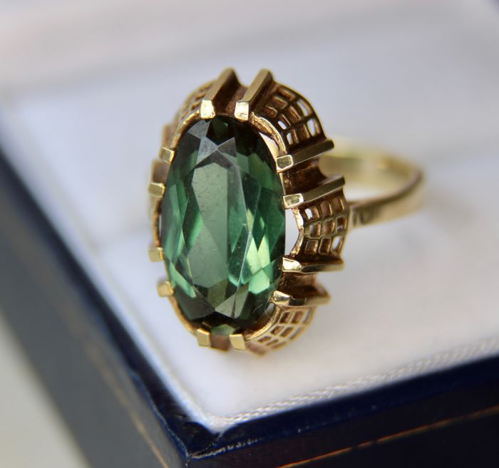 Tourmaline gold ring 585/14kt. approx. 2.7Ct. oval faceted in high ring frame.