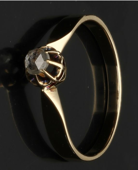 14 kt - Yellow gold solitaire ring set with rose cut diamond - Ring size 16.75