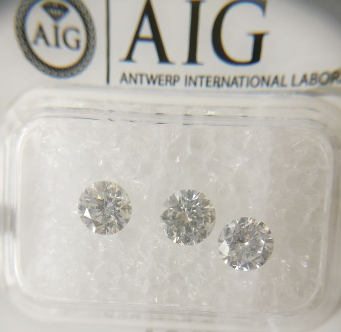 Triple of 2 Round cut diamond total 1.20 ct E-F SI2-I1 *** No Reserve ***