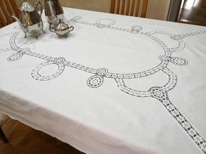 Tablecloth with Venetian Lace - Cotton