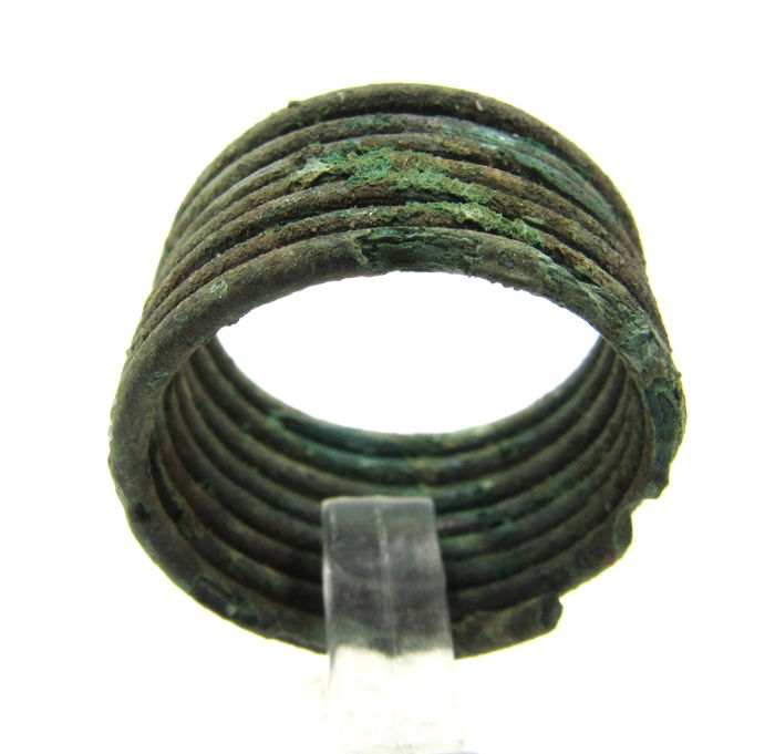 Medieval Viking Era Brons Coiled Snake Ring - 1.9cm