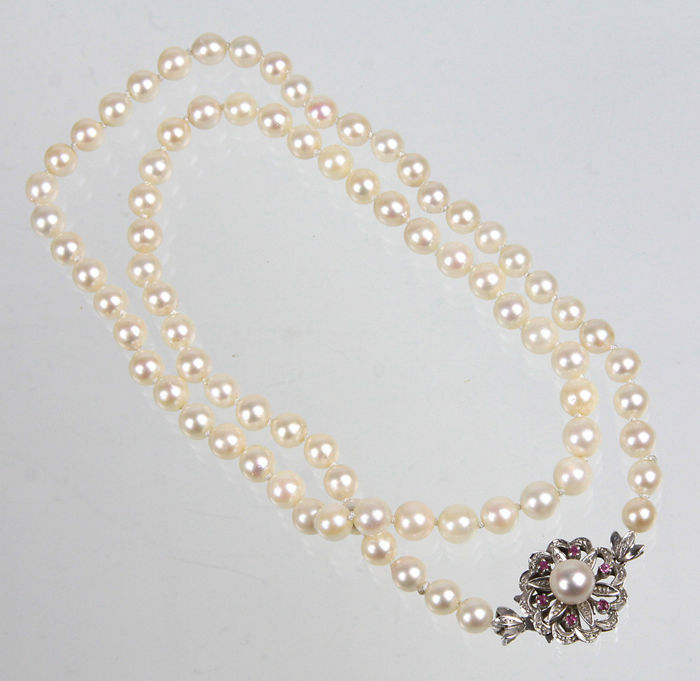 Akoya pearl necklace 7 mm clasp ruby 750 gold