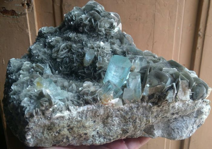 Aquamarine (light blue variety of beryl) Mineral Collection - 22x18x11.5 - 5140