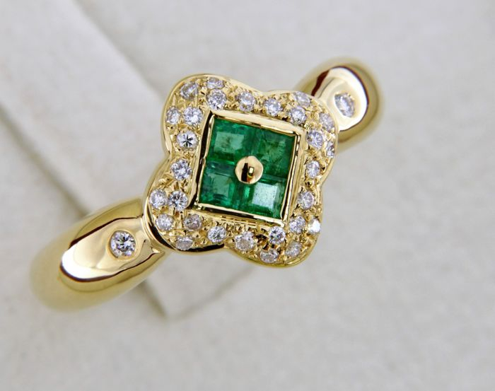 18 kt yellow gold ring - Emeralds and diamonds - Size: 54