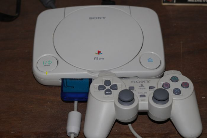 PSone complete with more then 10 games and two demos.