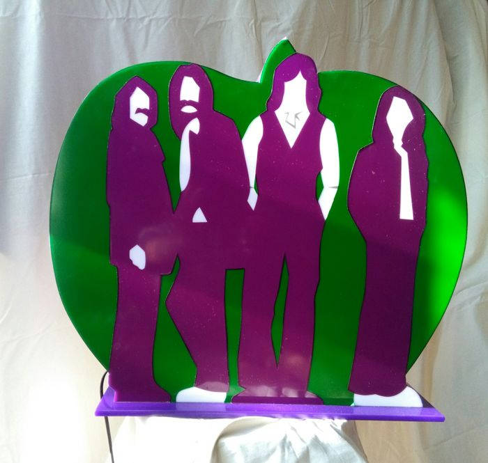 Marco Lodola - The Apple - Beatles - perspex light sculpture - Catawiki