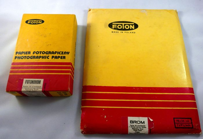 2 very rare old photographic paper never opened FOTON FOTONBROM, BROM  , in total 125 papers