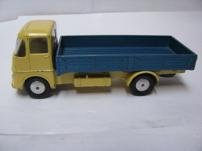 REPRO BOX CORGI n 465 commer pick up truck
