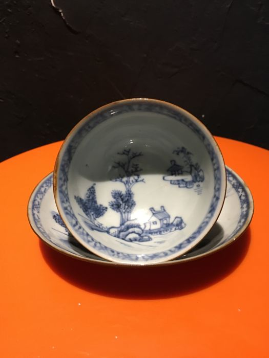 Tea bowl and saucer - NAKING CARGO - China - 18th century