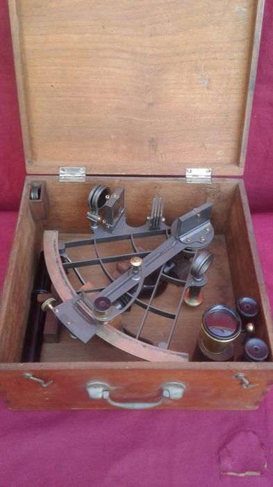 Lattice frame sextant in mahogany box - late 19th or early 20th century