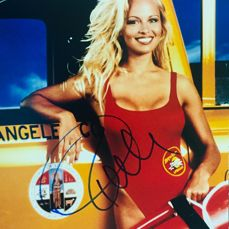 Pamela Anderson - Authentic Signed Autograph in Amazing Photo ( 28 x 35 cm ) - With Certificate of Authenticity by BECKETT Witnessed