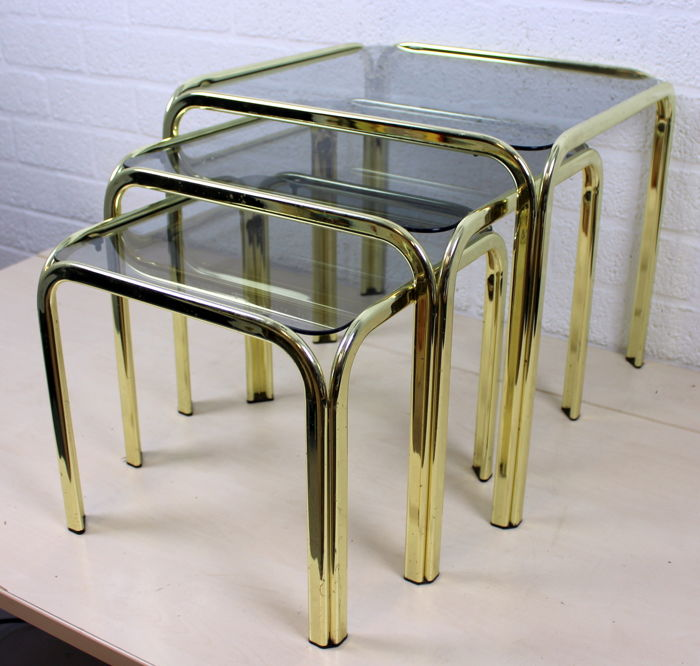 Design set consisting of three copper side tables with polished smoke glass - copper and glass - France - 20th century