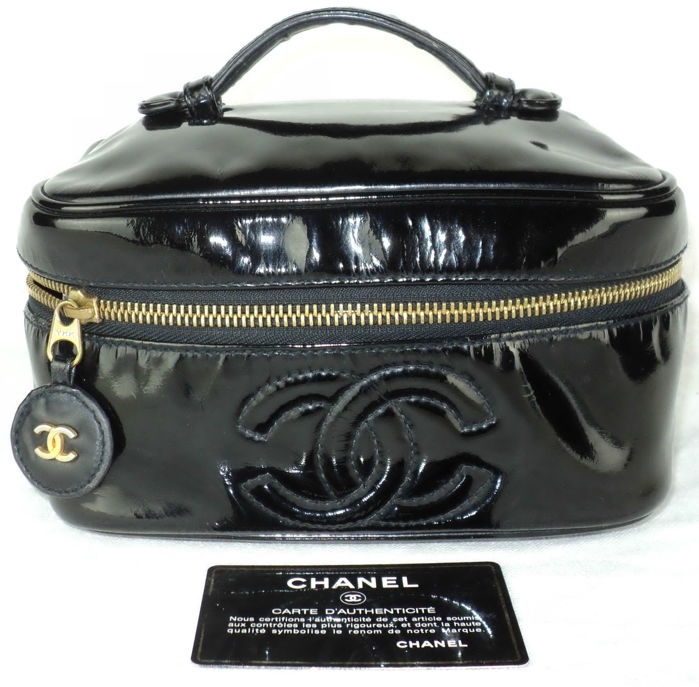 Chanel - Black Patent Leather CC Logo Make-up veske - Vintage