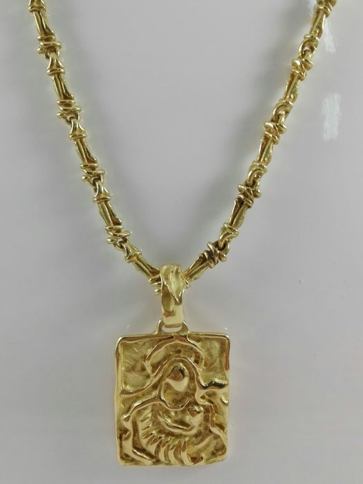 Unisex chain necklace with Madonna medal, in 18 kt yellow gold Weight: 57.3 g