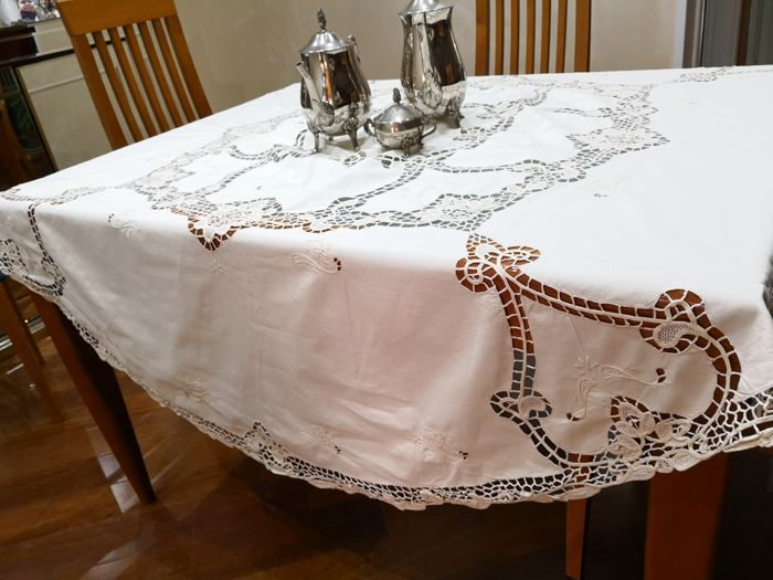 Venice - Round tablecloth with inlays and lace - Diameter 175
