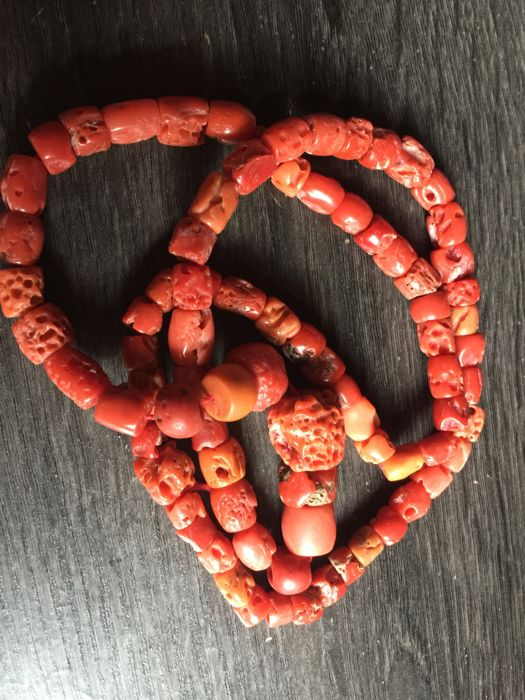 Antique Italian re natural coral necklace