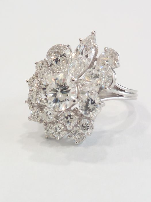 Made in Italy. 950 platinum ring with 4.20 ct diamonds / size 14 mm