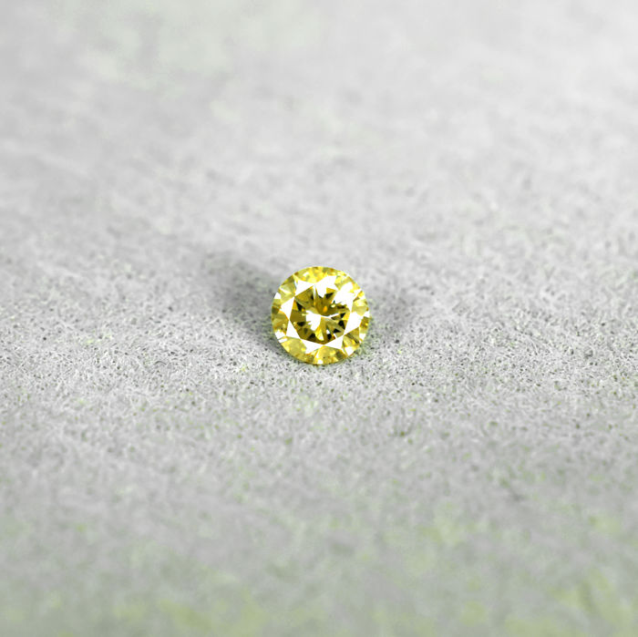Natural Fancy Orangy Yellow Diamond - 0.20 ct, NO RESERVE PRICE