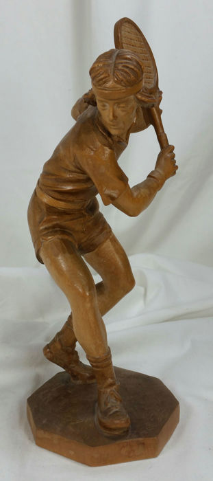 Tennis player - softwood carving - Northern Italy - second half 20th century