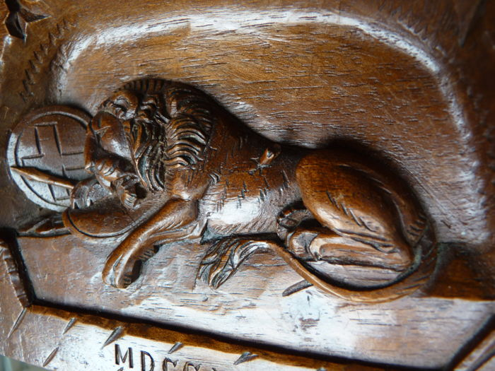 Wood carving of the dying lion lucerne switzerland