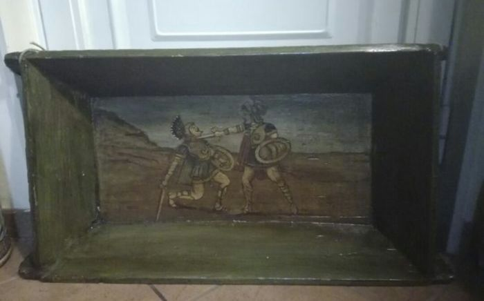 """Wooden tub (""""maidda"""") with painting depicting Sicilian puppets, 20th century"""