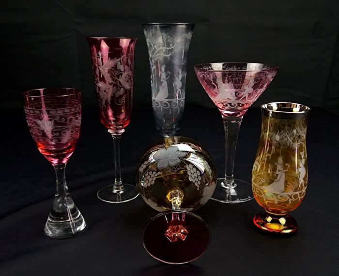 Dino Santi - Set of 6 coloured, antique stem glasses in blown and engraved glass