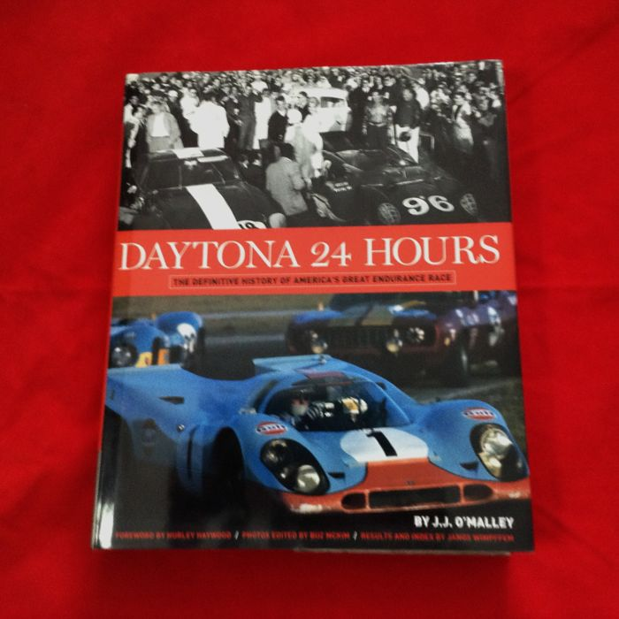 Books - rare book Daytona 24 Hours JJ O'Malley 2003 400 p. (1 items)