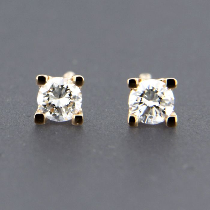 14 kt rose gold solitaire ear studs set with brilliant cut diamonds ... 5e6811e33200f