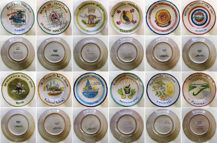 Ceramica Artistica Solimene, Vietri, Italy - Collection of 12 Buon Ricordo Plates