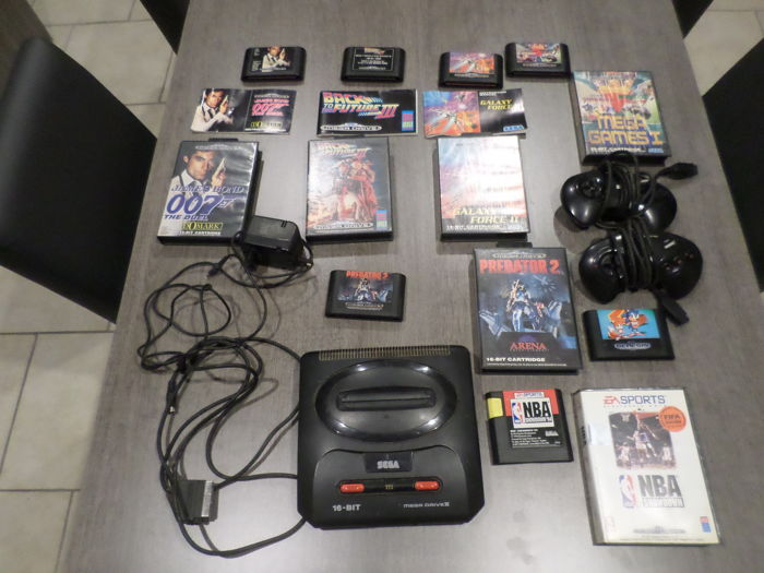Mega drive II with 7 games