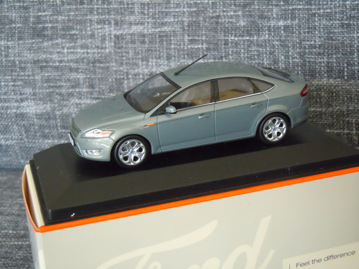 MiniChamps - 1:43 - Ford Mondeo