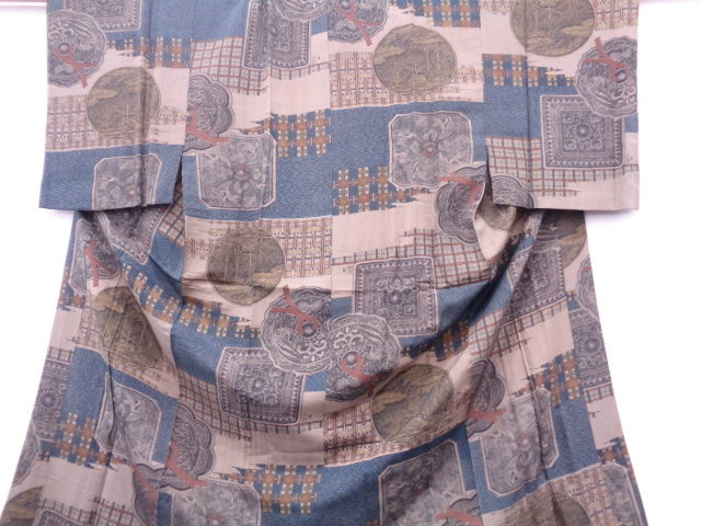 Antique silk boy's Nagajiban kimono decorated with patterns of crane and mirror back- Japan -Mid 20th century