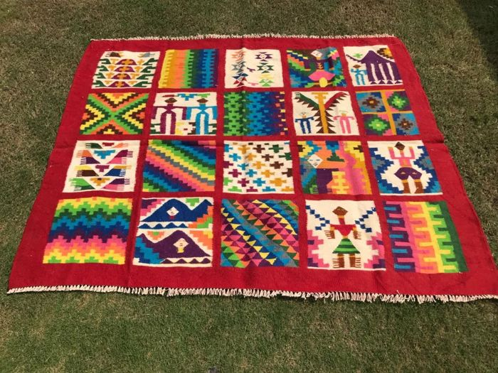 Vintage Turkish Kilim 147 x 120 cm
