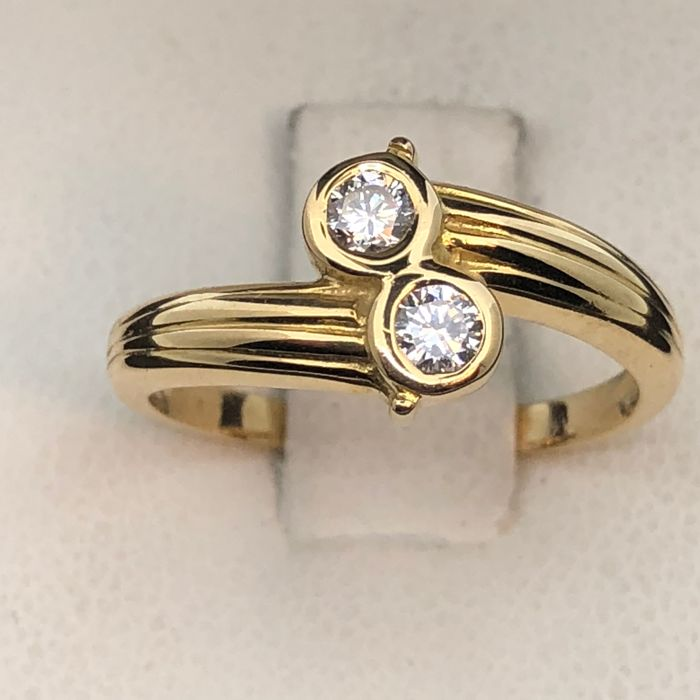 Ring 750 gold, diamonds, size 52