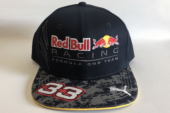 max verstappen signed red bull racing cap catawiki. Black Bedroom Furniture Sets. Home Design Ideas